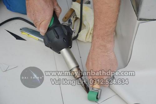 Máy hàn bạt nhựa cầm tay Triac ST Leister